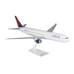DELTA 767-400 1/200 SCALE MODEL Thumbnail